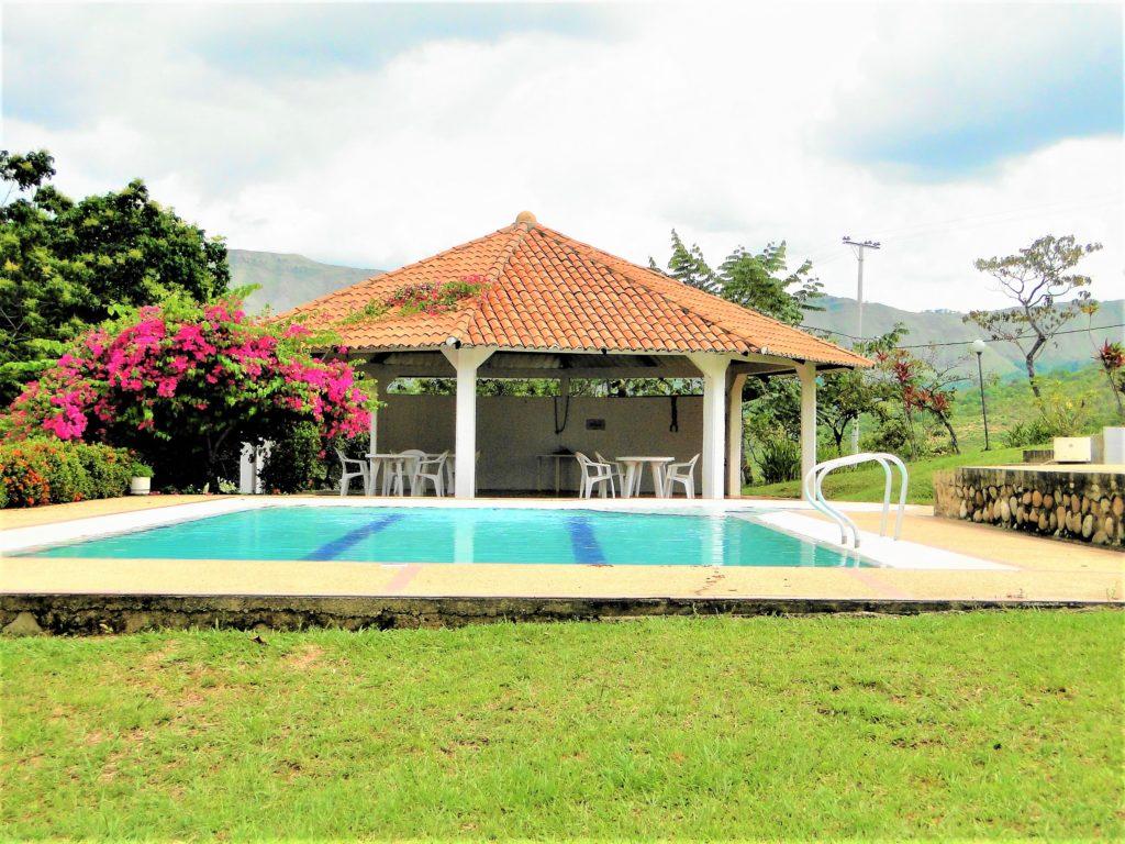 venta lotes y casas campestres colombia carmen de apicala fruworld piscina
